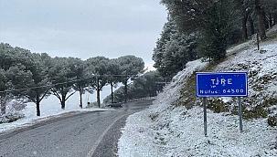 İzmir'in Tire ilçesi beyaza büründü