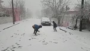 Kale'de kar yağışı etkili oldu
