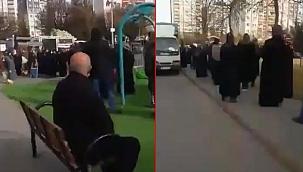 Kayseri'de oluşan onlarca metrelik karnabahar kuyruğu Twitter'da ses getirdi