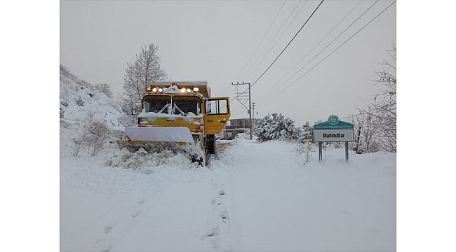 Manisa'da karla mücadele