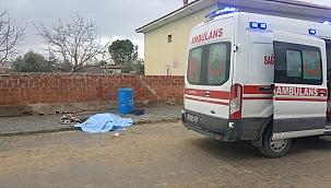 Manisa'da otomobilin çarptığı motosikletin sürücüsü öldü