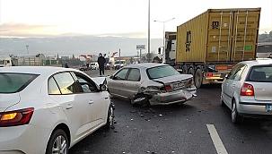Zincirleme trafik kazasında 7 araçta hasar oluştu