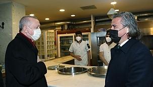 Erdoğan, İzmir'de esnafı ziyaret etti