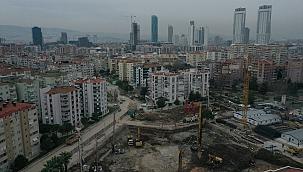 İzmir'de depremin yıktığı bölgede yeni binaların yapımına başlanıyor