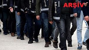 İzmir'de FETÖ'nün TSK yapılanmasına yönelik operasyonlarda 15 ayda 939 şüpheli tutuklandı