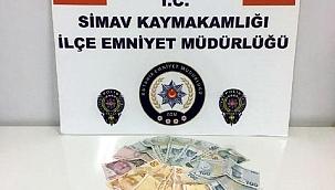Pazarda cüzdan çalan 3 yankesici tutuklandı