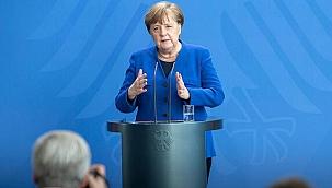 Almanya Başbakanı Merkel: Benim hatam, affınıza sığınıyorum