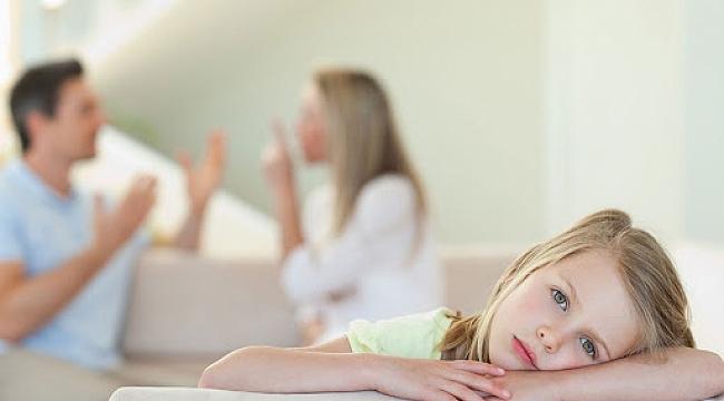 Çocuklarda ebeveyn yabancılaşmasına neden olabilir