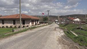 Eski köy okulu konuklarını geçmişe götürüyor