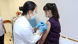 Türkiye'de uygulanan koronavirüs aşı miktarı 20 milyonu aştı