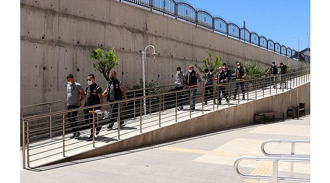 Bekçilere saldırdığı suçlamasıyla 9 kişi yakalandı
