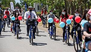 İzmir'de çocuk bisikletleri projesi hayata geçti