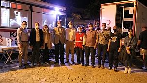 Kızılayın gece mesaisine AK Partililerden destek