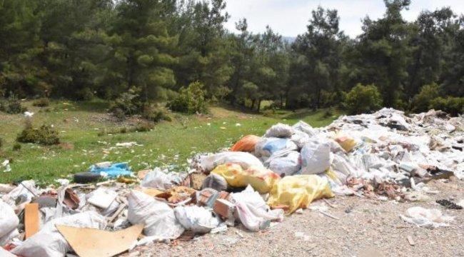 Oksijen deposu ormanlık alan çöplüğe döndü