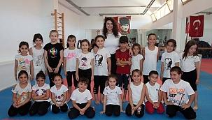 Karabağlar Belediyesi Yaz Spor Okulları önlemlerle açıldı