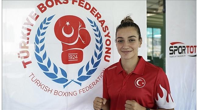 Milli boksör Buse Naz Çakıroğlu'ndan altın madalya