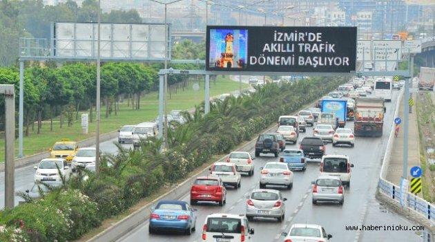 İzmir'de Trafiğe Kayıtlı Araç Sayısı Artıyor