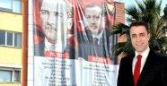 AK Parti'nin ATATÜRK pankartı büyük ilgi görüyor