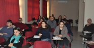 "Ege'de ""Akademik OneFile"" semineri"