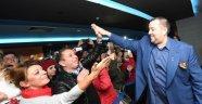 """İzmir'de """"Olanlar Oldu"""" Çılgınlığı!"""
