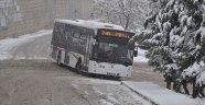 İzmir'de buzlanma ulaşımı vurdu