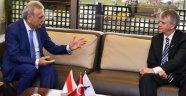 """Kanada ile Türkiye arasında """"İzmir köprüsü"""""""